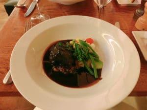 ご飯は少し高いけど、やっぱり本場の料理がおいしいのもフランス留学の醍醐味